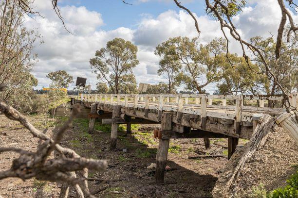 $9m bridges boost for Farrer